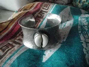 bracelet cauri FM redimensionné