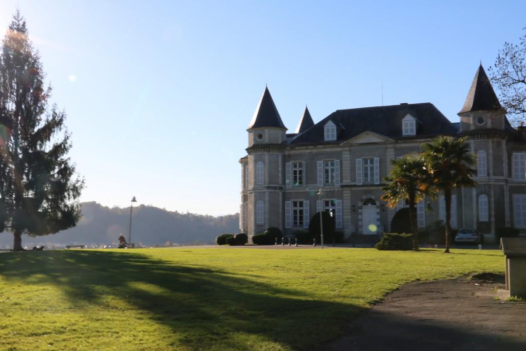 Le Chateau de Franqueville (1854) - Bizanos, Béarn